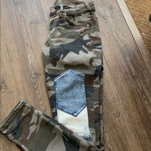 True Religion (rare camo distressed skinny)